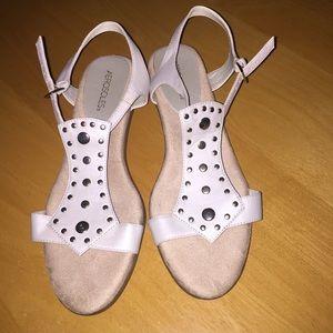 Womens beige(light cream) sandals size 11